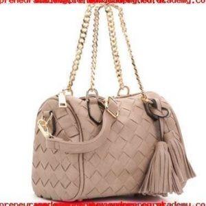 Woven Tassle cross body purse